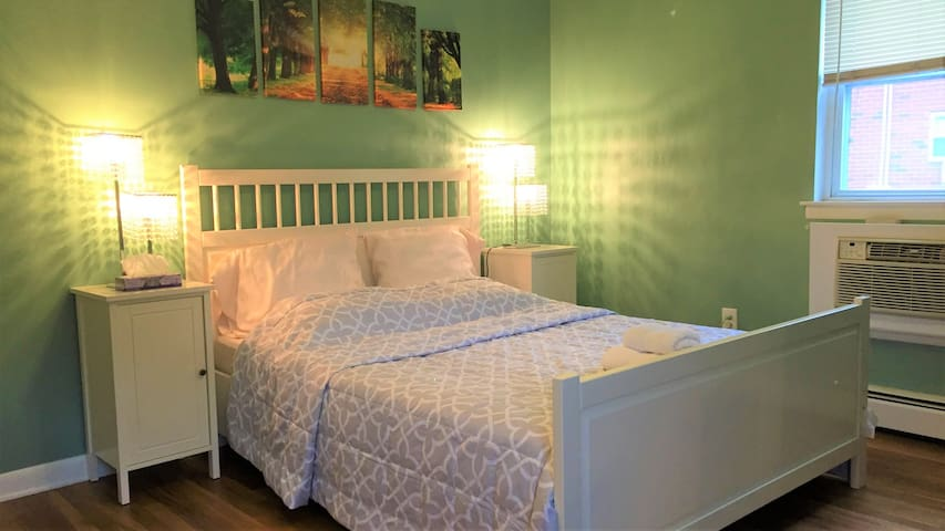 Comfortable & Relaxing Room near Morristown (B)