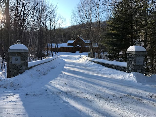 Stunning Private Log Cabin miles from Sugar Loaf - Kingfield - Casa
