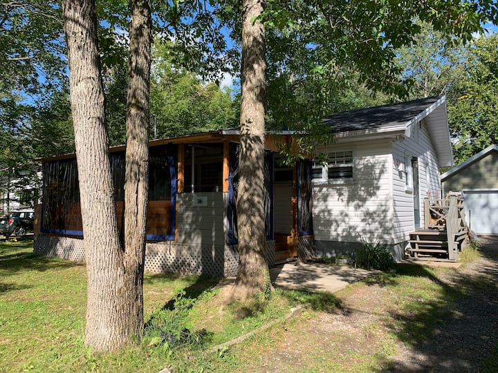 Charmante maison à deux pas du Lac St-Joseph