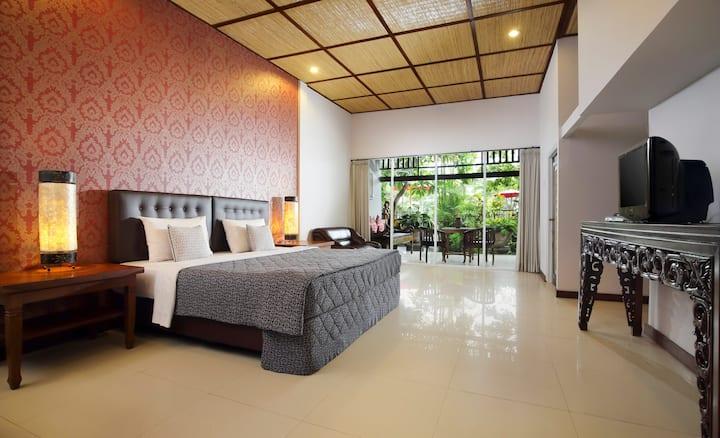 LUSH TROPICAL GARDEN ROOM IN MAS - UBUD