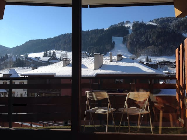 Sunny, south facing, central studio. - Morzine