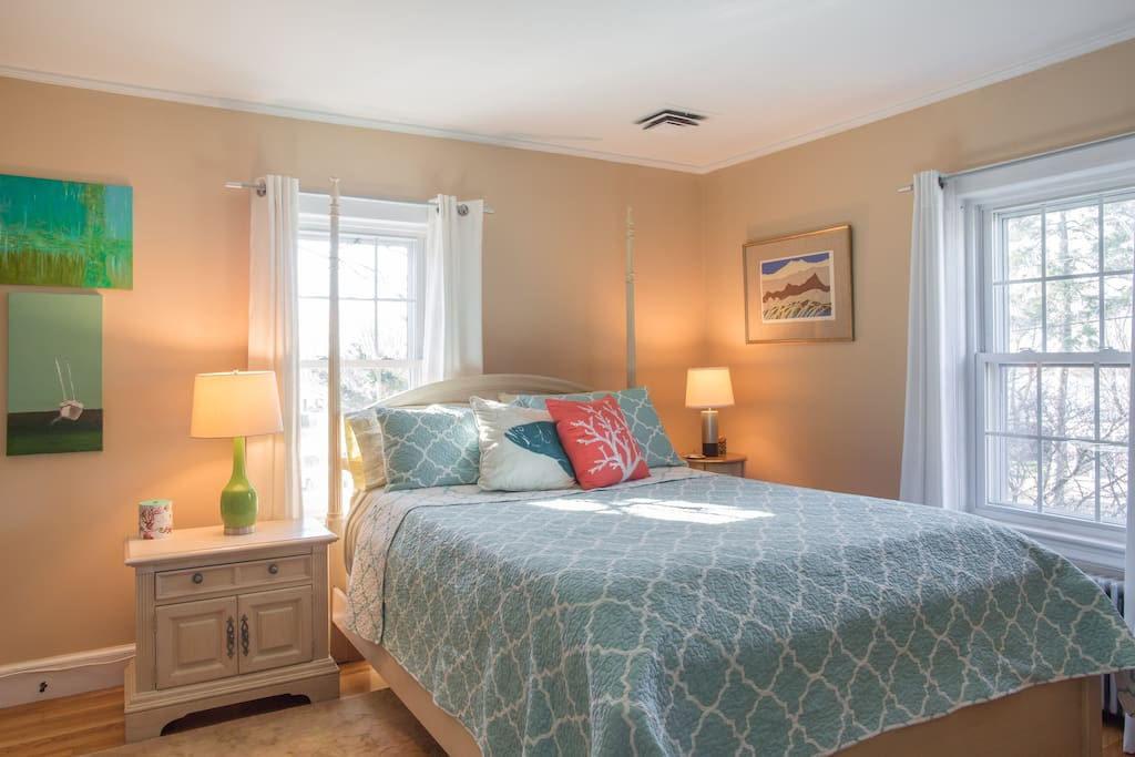 Guest Bedroom Queen Bed - This is your Airbnb Room.