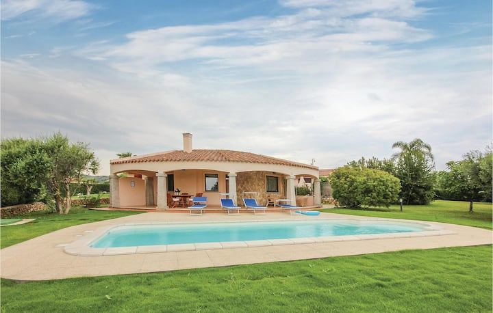 Amazing home in Costa Rei -CA- with 4 Bedrooms
