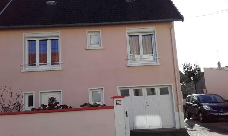 Chambre dans maison au Mans