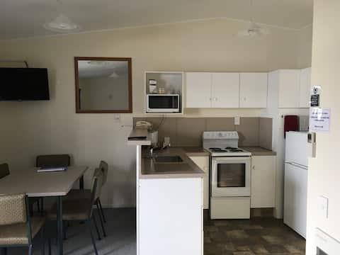 Thornton Lodge Motel - 1 Bedroom Family Unit