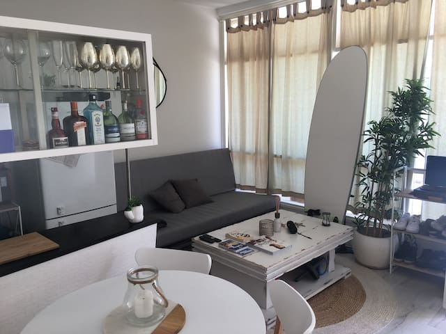 Little cute Art  Deco beach 1 bedroom appartement