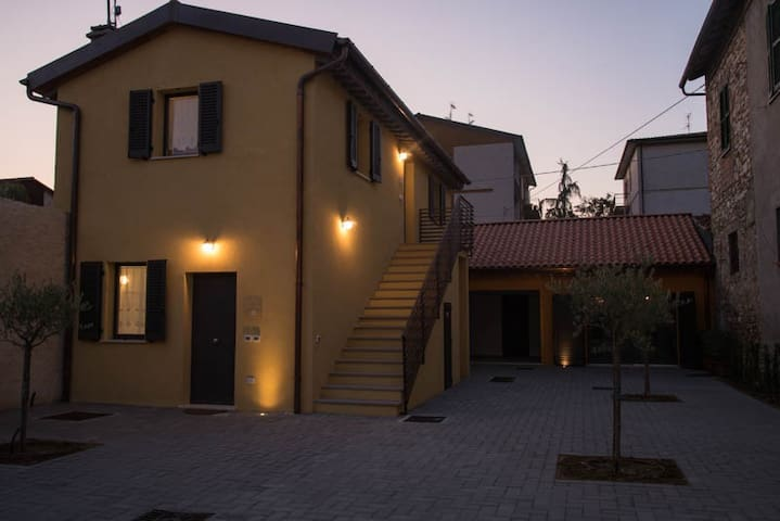""" La Collegiata"" Borgo Fratta Holiday Houses"