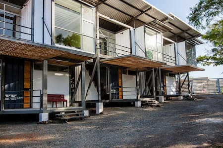 Container Homes Lindora - Pozos