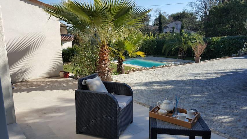 Ideal vacances - 2 pièces moderne, lumineux - Peymeinade