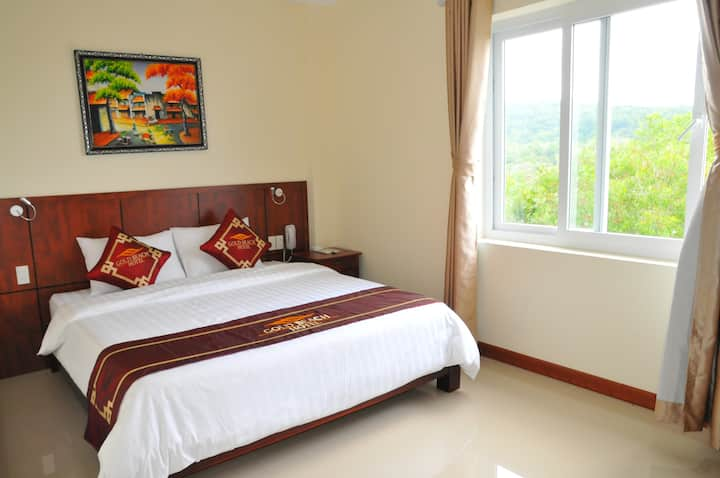 3 star hotel room walking distance to the beach