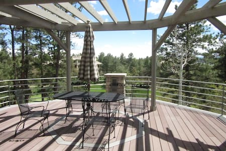 Spacious Home in Country Club setting, Great Views - Castle Rock