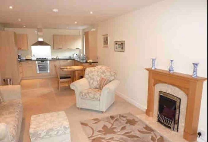 SUNSHINE APARTMENT by CLEETHORPES LETTINGS