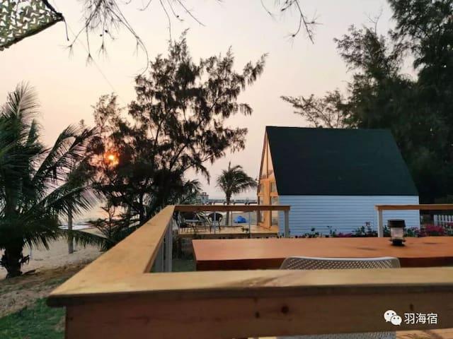 独栋木屋民宿,带阁楼,一线海景房,环境优美,享受来自大海的洗礼