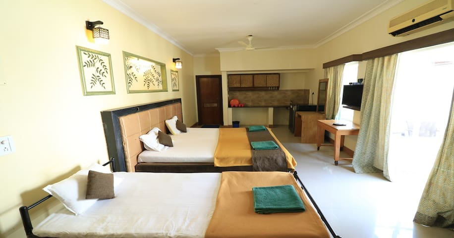 Comfy Studio in Calangute with Pool