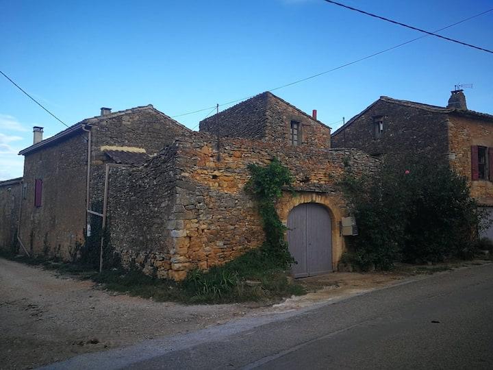 Le mas de la Bruyérette