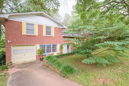 3 BR in Colorful Lakefront Home - Clarkston