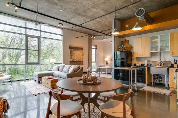 Spectacular Studio in the Gulch • Downtown!