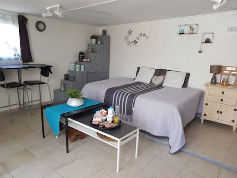 Studio cosy : dépendance de villa avec terrasses