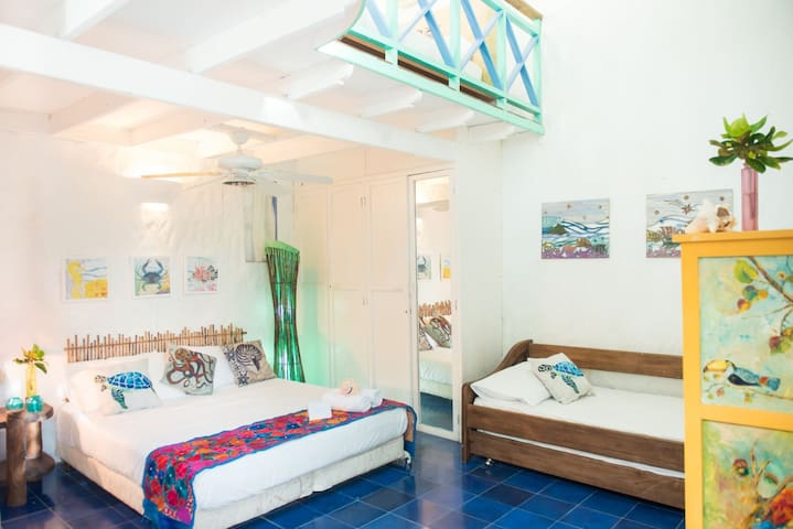 Levanto - 2 level Loft Room in Moasterio del Viento- Isla Providencia -up to 5 guests, oceanfront great value for small family, featured in Financial Times, Conde Nast, Architectural Digest, Vogue