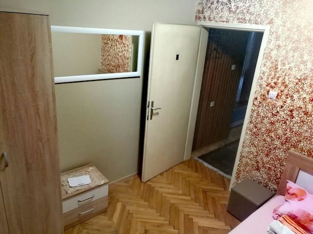 Single studio room - Podgorica - House