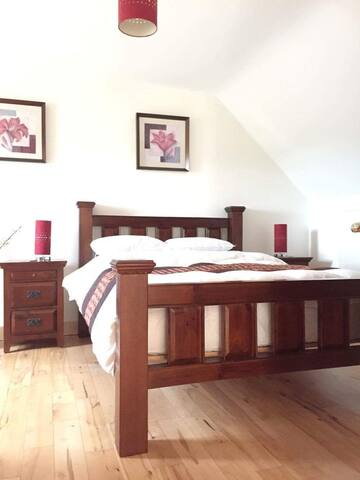 Room 1 Ensuite at the Gables - Cahir - Hus