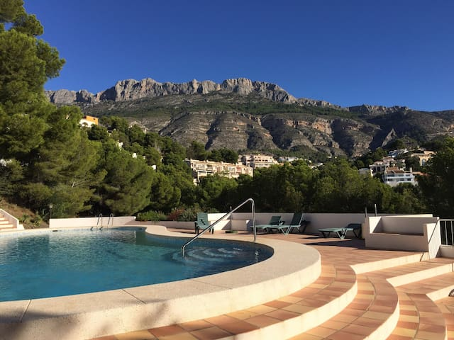 Licht en ruim appartement met gezamenlijk zwembad - Altea la Viejja