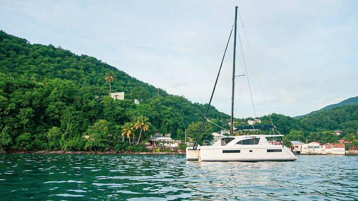 Cabin for 2 on 40ft catamaran