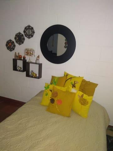 Nanas airbnb