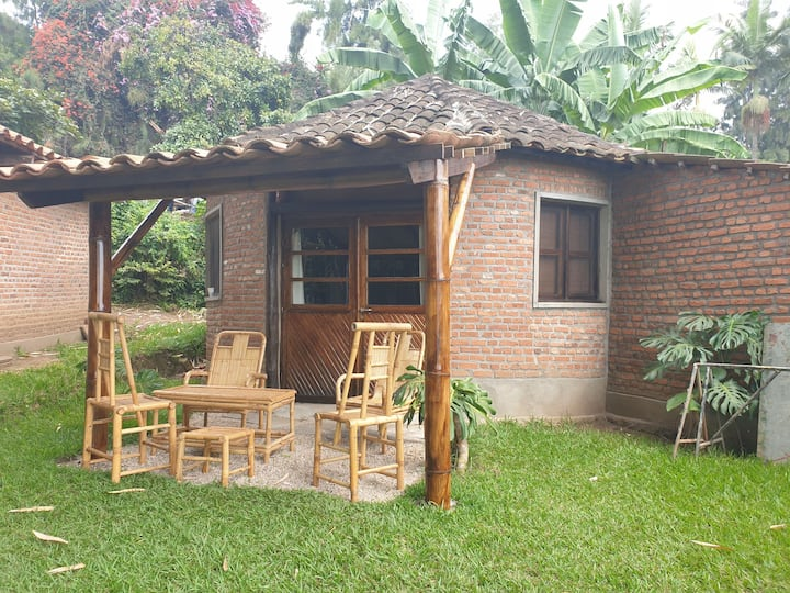 MPOZA   LAKE BUNGALOW