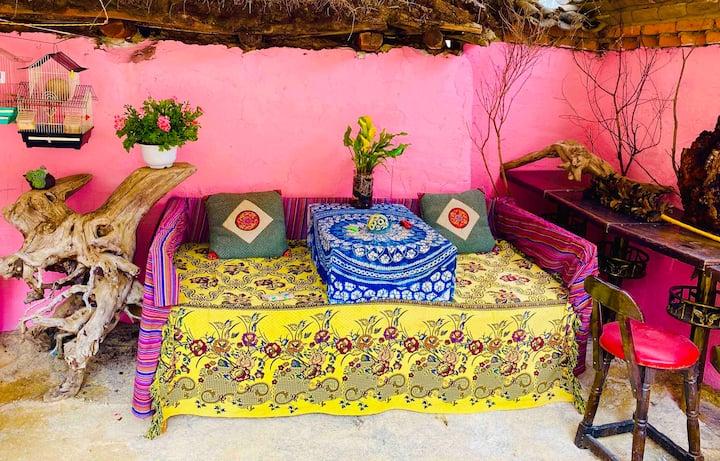 香格里拉古城中心-木子小院客栈-可停车、可做饭、有茶室有花园、有私家车出租!