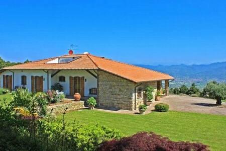 Superb seaview Villa in stunning location for 6 - Ameglia