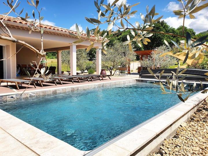 Villa avec piscine 6 personnes- Vaison la Romaine
