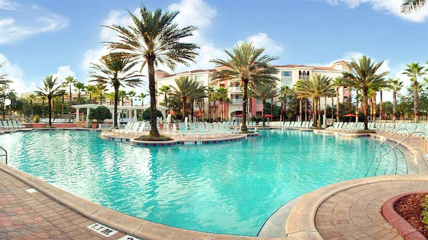 Marriott's Grande Vista: 1-BR, Sleeps 4, Kitchen