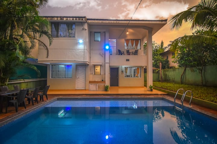 4bhk/Ac/Private swimming pool -White Unicorn Villa