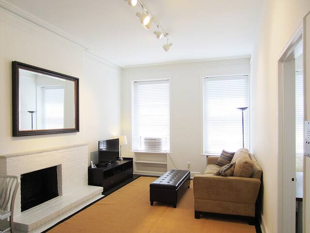 Spacious 1BR in UES townhouse