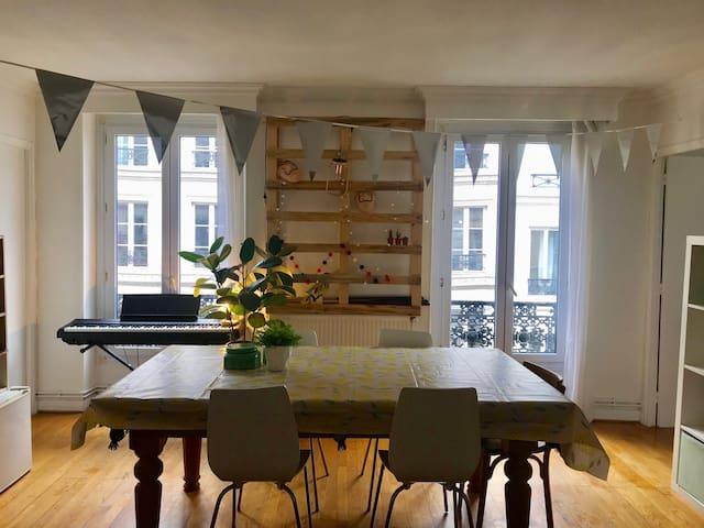 Grande chambre en plein coeur de Paris