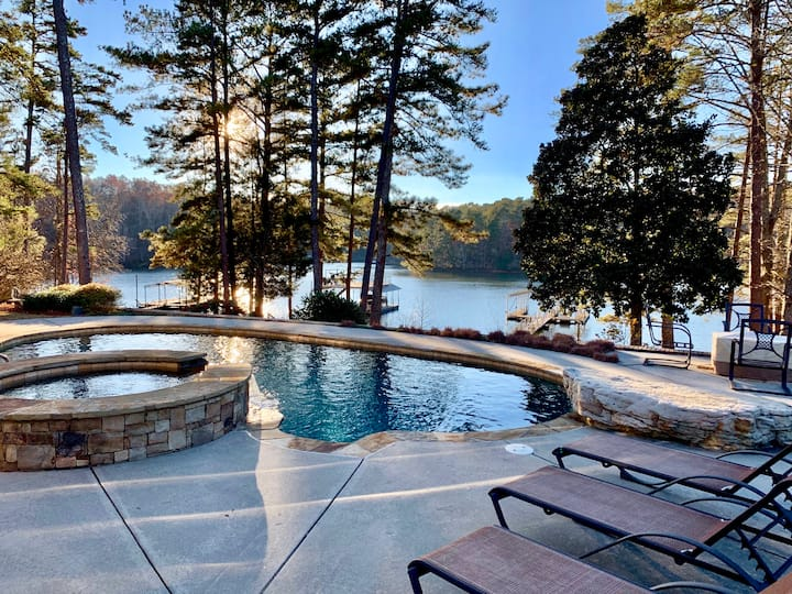 5 STAR LUXURY 6700 sq ft on Lake Lanier
