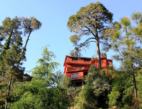 Cedar Villa Home Stay, Dalhousie (2 bed room unit)