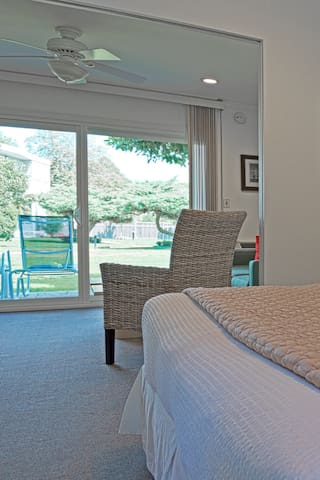 East Hampton Hotel Resort, Deluxe One Bdrm Studio