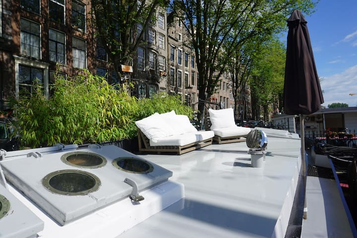 Amsterdam Modern HOUSEBOAT with TERRACE
