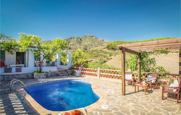 Holiday cottage with 2 bedrooms on 70m² in Frigiliana