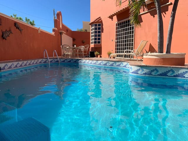 Large Home 10 min from downtown Cabo San Lucas