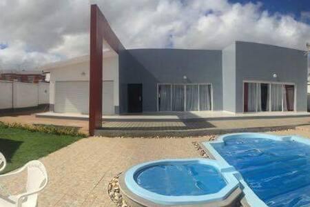 Alasora, maison avec piscine