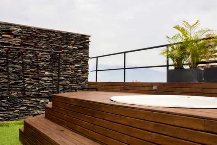Penthouse con terraza privada con Jacuzy y sauna