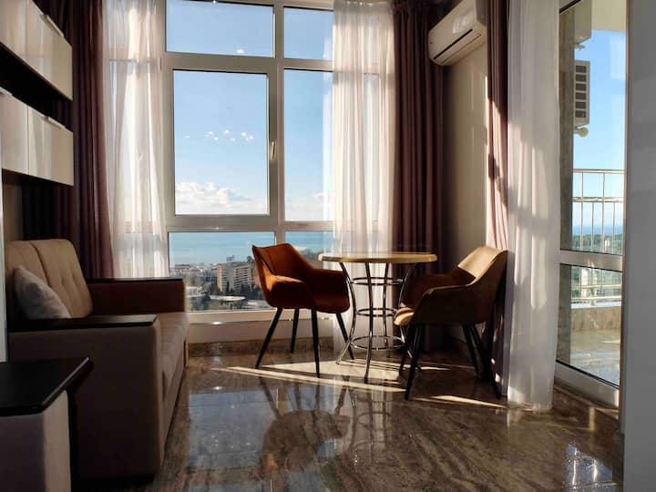 Двухкомнатная с лучшим видом на море, город+балкон