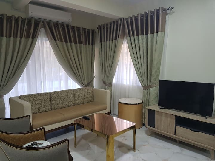 Well furnished corner house with 3 bedrooms + lawn