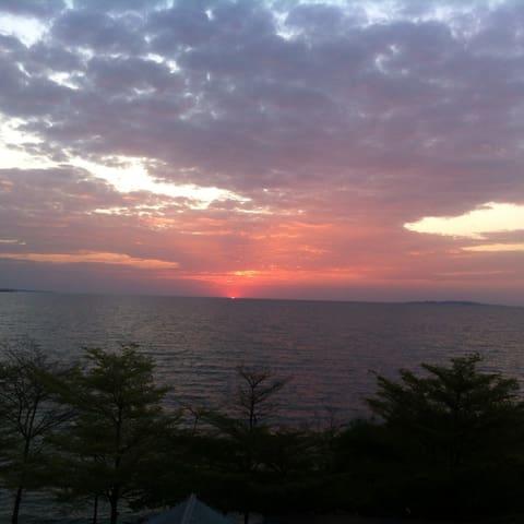 TEMBO BEACH HOTEL, MUSOMA, MARA, TANZANIA.