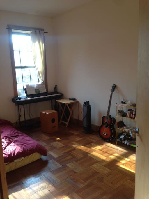 Spacious Bedroom In A 3 Br Apt In Crown Heights Apartments For Rent In Brooklyn New York