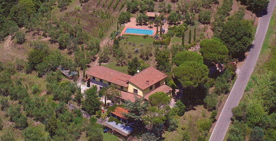 Apartment 2 Toscana,great view,pool,near Firenze - Larciano