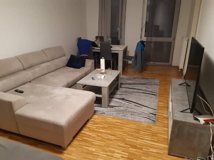 Moderne Wohnung,  Nähe U-Bahn und S-Bahn